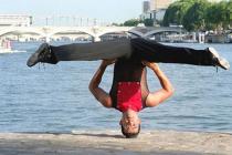 Equilibriste acrobate Groom