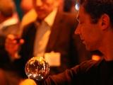 Jonglerie de contact boules de cristal