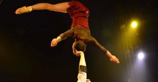Duo de portés acrobatiques