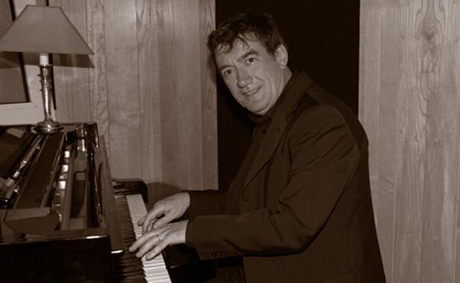Piano jazz par Jacky Delance pour une exposition (92)