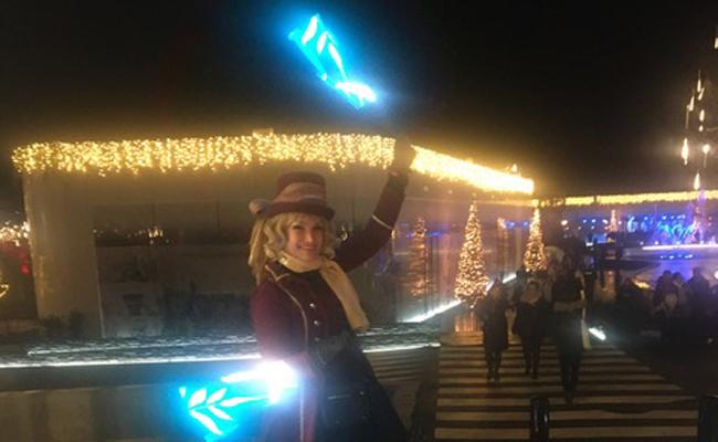 jonglage lumineux par Sabine