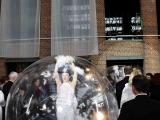 Danseuse dans une bulle pour un lancement de voiture (85)